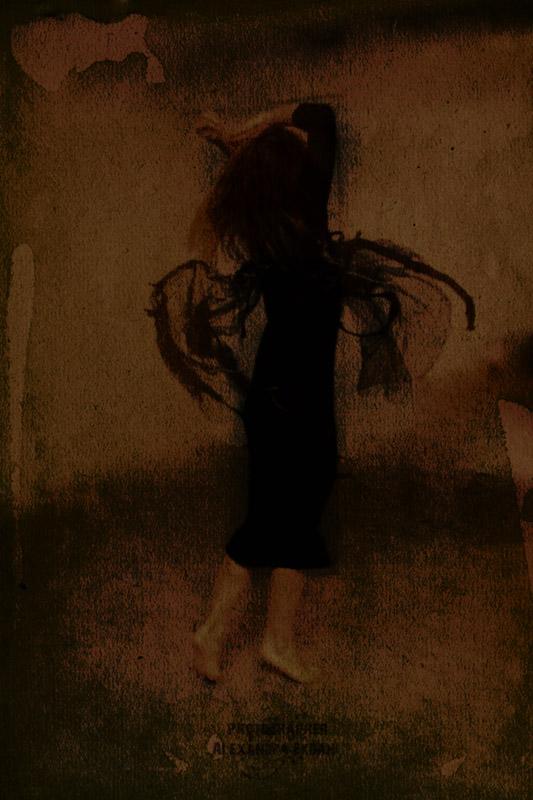 Photographer-Alexandra-EKdahl-Fotograf-StockhOLM-aRTIST-MODEL-MODELL-MAKEUP-surreal-surrealism-horror-horror-photographer-horror-photography tarot -