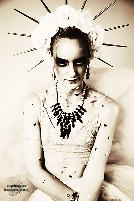 Photographer Alexandra Ekdahl Fotograf Stockholm Amelia Cazorla makeup SaraLo Serra Nilsson styling 7 horror dark